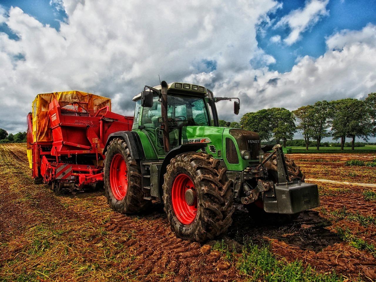 Ste poľnohospodár a vlastníte traktor?
