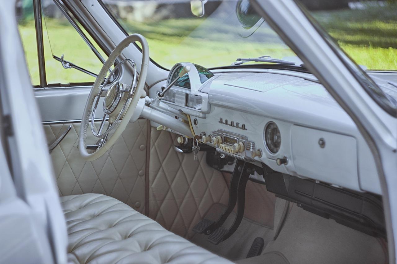 Interiér starého auta - veterána